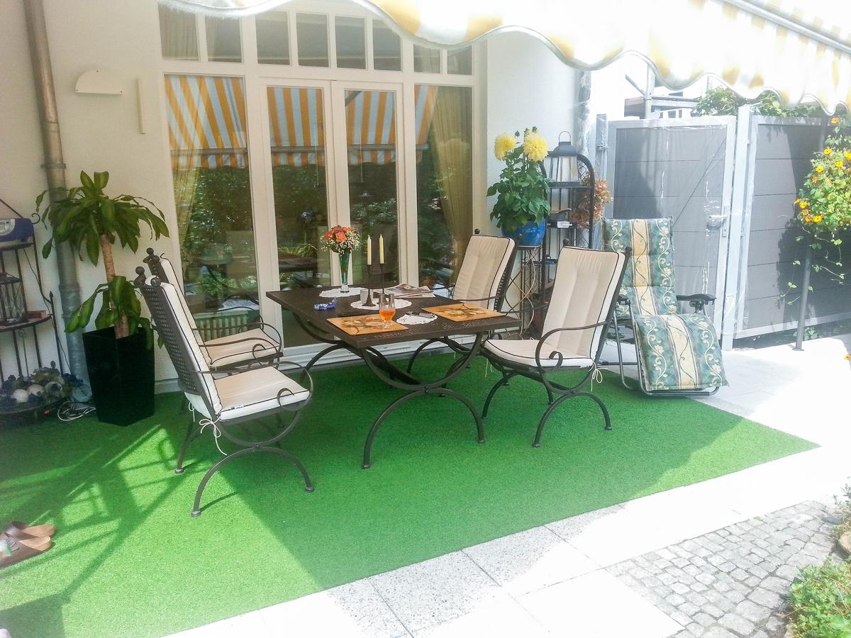 verkauft exklusive eigentumswohnung mit terrasse und garten mack immobilien. Black Bedroom Furniture Sets. Home Design Ideas
