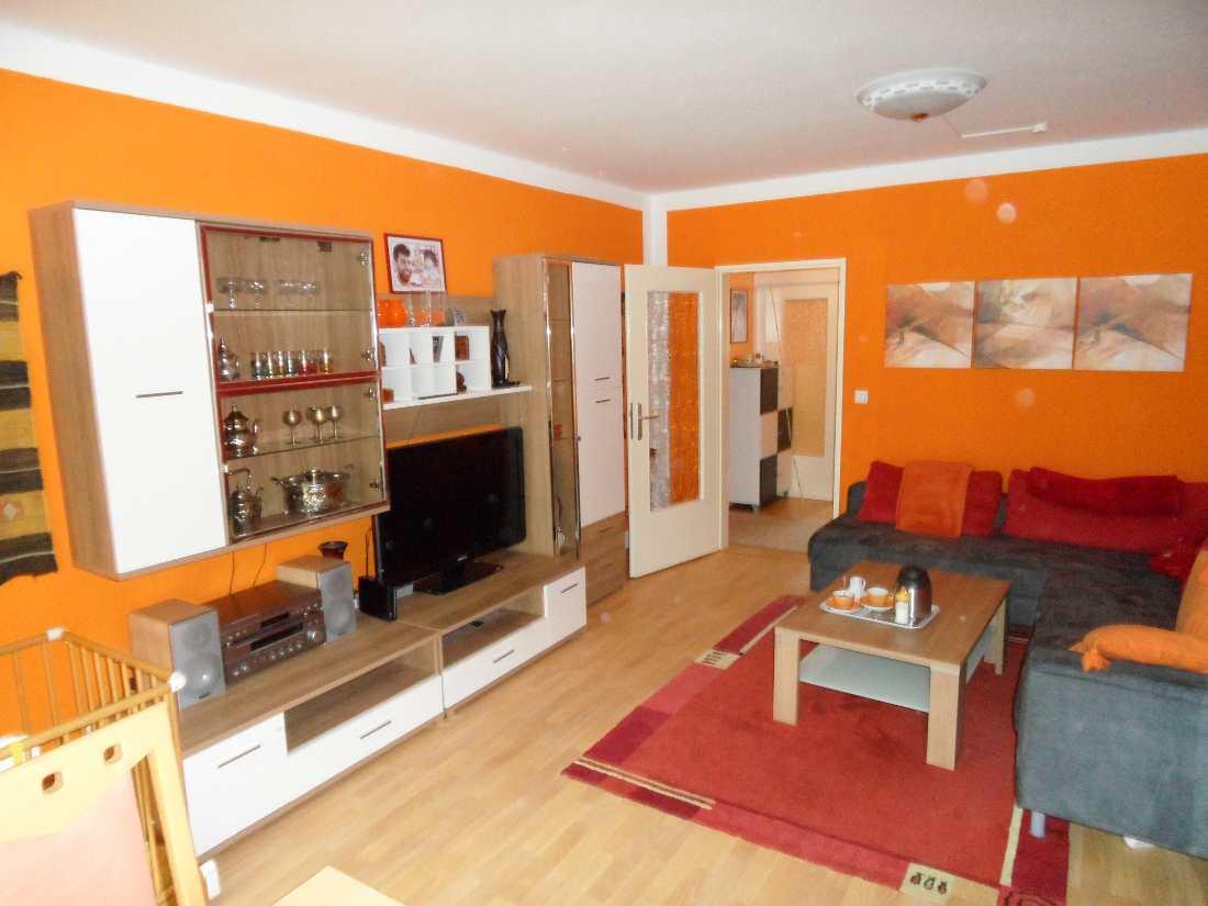 Verkauft Modernisierte 3 Zimmer Wohnung Mit Balkon In Bremen